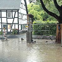 Unbekannte sabotieren Hochwasserschutz der Stadt