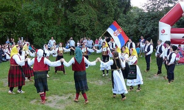Caritas Flohfest Tanz 2c 600