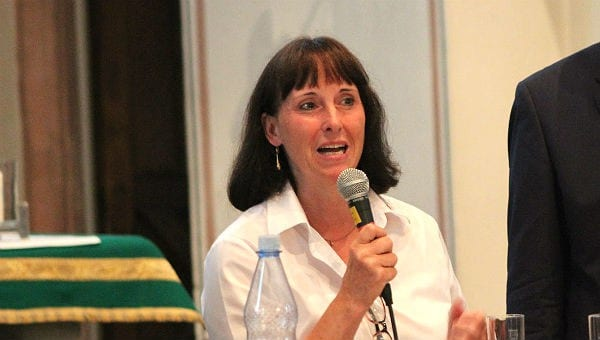 Ingeborg Schmidt bei der Gesprächsrunde des Bürgerportals in Sand