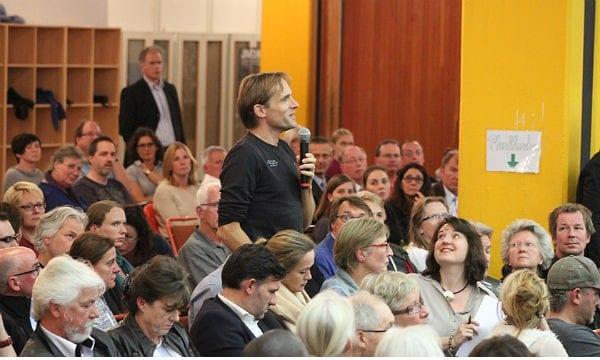 Mehr als 400 Bürger waren in die Otto-Hahn-Schulen gekommen