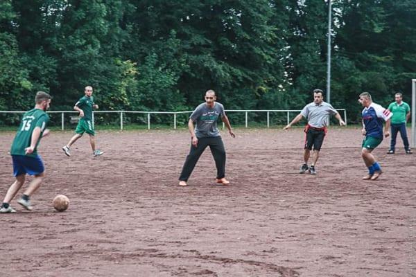 Ein letztes Match auf dem Ascheplatz. Foto: Projekt Hartmut Schneider