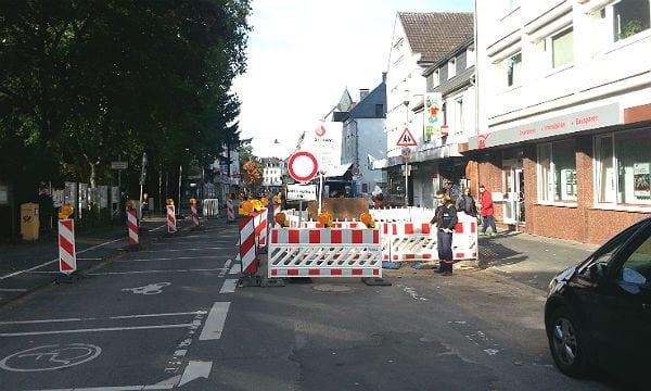 Die Durchfahrt vom Fronhof über die Buchmühlenstraße zur Hauptstraße in Bergisch Gladbach ist gesperrt.