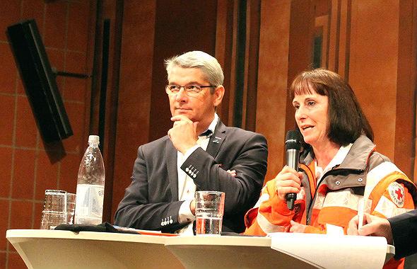 Bürgermeister Lutz Urbach, DRK-Kreisvorsitzende Ingeborg Schmidt