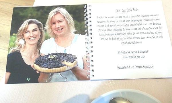Daniela Herbst und Christina Kombüchen führen das Café Tilda im Liederkranz gemeinsam