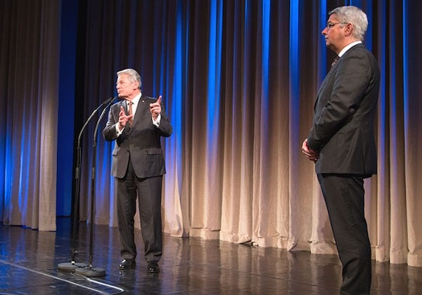 """""""Ein gutes Beispiel ist dieser Bürgermeister: Joachim Gauck und Lutz Urbach"""