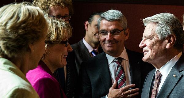 Hildegard Knoch-Will beim Treffen mit Joachim Gauck beim Besuch des Bundespräsidenten in Bergisch Gladbach