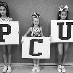 Refrather Cheerleader präsentieren spannende Hebefiguren
