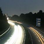 Macht Nähe zur Autobahn glücklich? Und egoistisch?