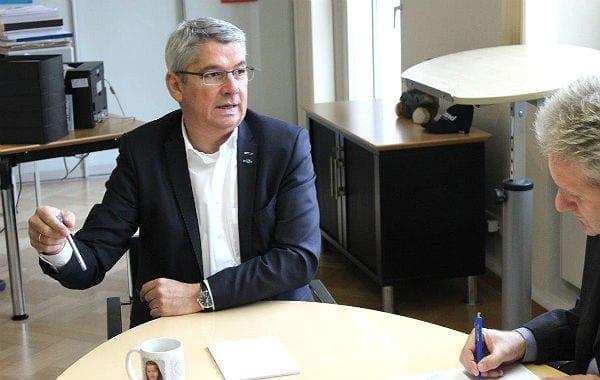 Bürgermeister Lutz Urbach im Gespräch mit dem Bürgerportal