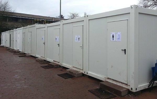 Auf zehn Bewohner kommt eine Toilette.