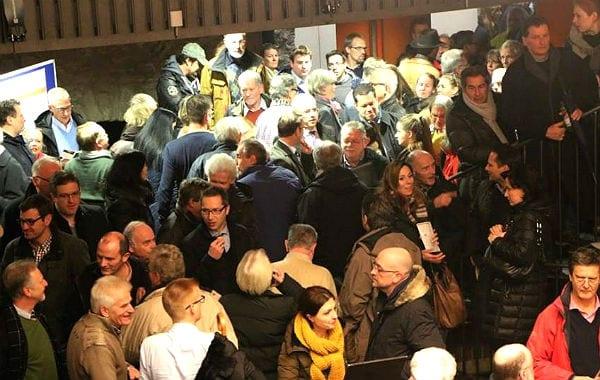 Voll bis in die Ecken: der Ratssaal Bensberg. Foto: Helga Niekammer/Bensberg im Blick