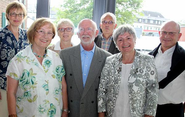 Der Vorstand: Karin Sahler, Ursula Strahlenbach, Elke Lehnert, Horst-Ulrich Tüllner, Gerhard Künkler, Marie Luise van den Berg, Peter Leffelsend
