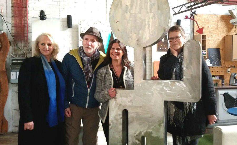 Petra Hemming (Ganey-Tikva-Verein), Helmut Brands (Künstler), Lizy Delaricha (Bürgermeisterin Ganey Tikva), Susanne Schlösser (Ganey-Tikva-Verein)