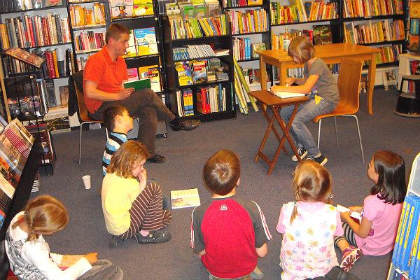 Vorlesewettbewerb für Grundschüler in der Buchhandlung Funk in Bergisch Gladbach-Bensberg