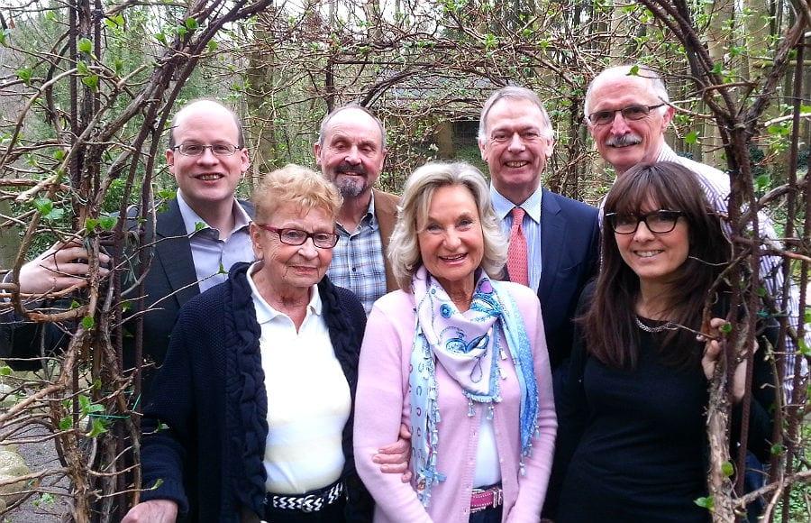 Der Vorstand von Bürger für uns Pänz: David Roth, Inge Krey, Volker Damm, Sylvia Zanders, Martin Schilling, Johannes Zenz, Ute Glaser. Es fehlt Maria Vagedes