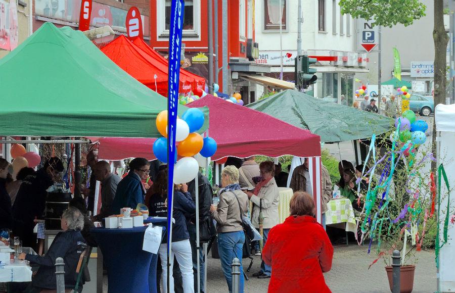 Frühlingsfest auf der Bensberger Straße in Bergisch Gladbach-Heidkamp