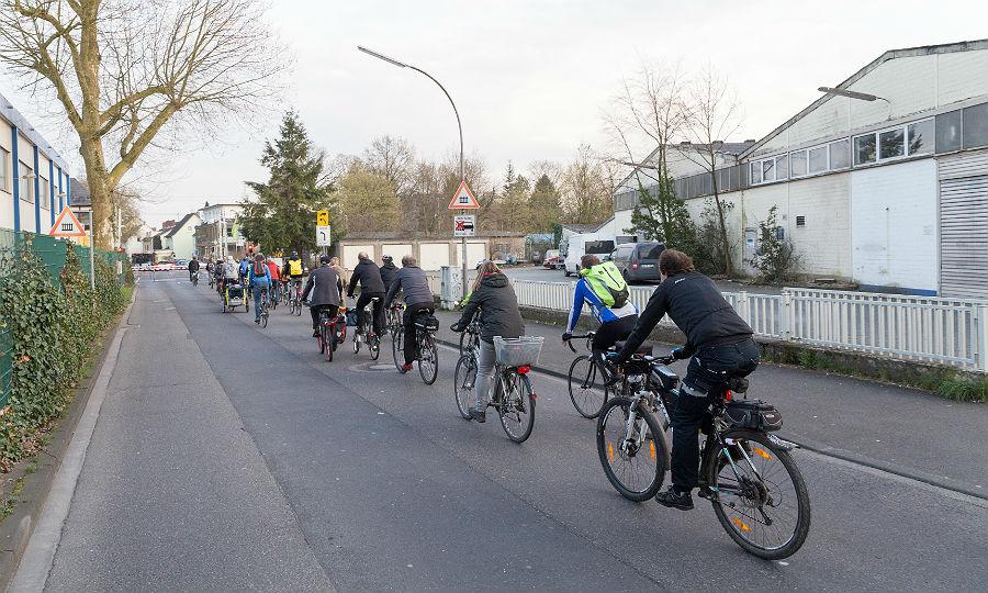 Die erste Critical-Mass-Radtour in Bergisch Gladbach. Foto: Markus Bollen