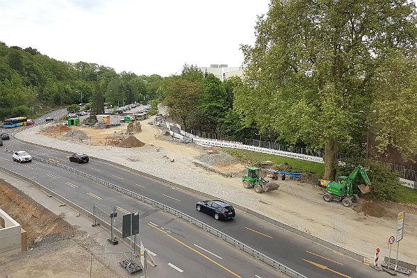 An der Schnabelsmühle soll der Verkehr in wenigen Tagen auf das Gebiet rechts der aktuellen Fahrbahn verlegt werden