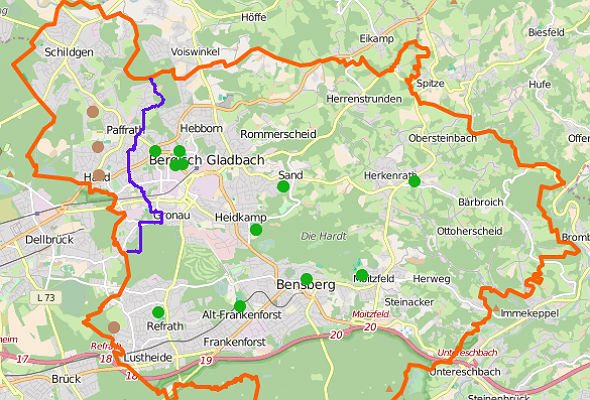 Verteilung der Fußballplätze in Bergisch Gladbach (braun: Asche, grün: Rasen)