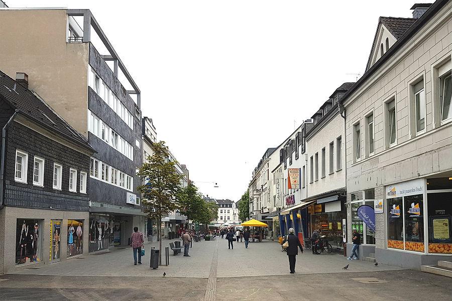 Blick in die obere Hauptstraße ...