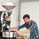 Quimbaya: Frisch gerösteter Kaffee aus einer Hand