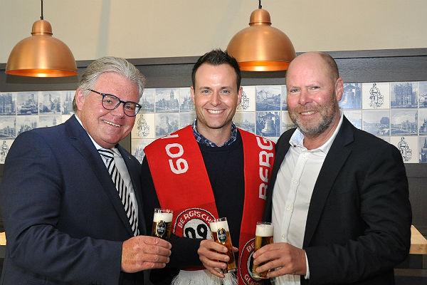 Klaus Dieter Becker, Verwaltungsrat SV Bergisch Gladbach 09, Sebastian Lenninghausen, Produktmanager Privatbrauerei Gaffel, Jörg Tacke, geschäftsführender Vorstand SV 09.