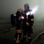 Feuerwehr löscht in der Nacht Brand bei Isover