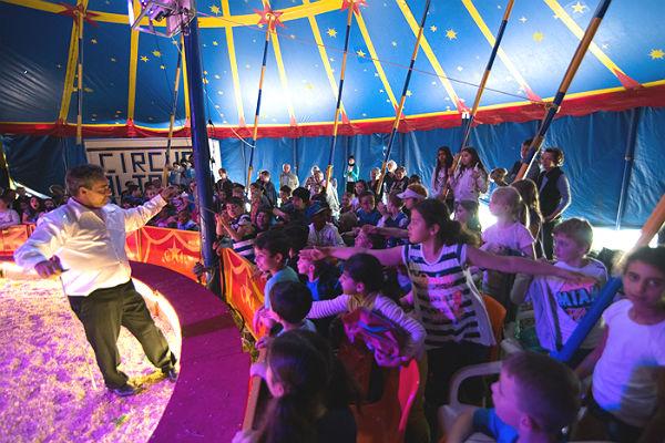 Foto 3 Zirkus Altano mikibu 600