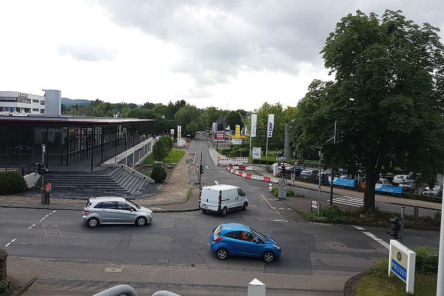 Nach der Eröffnung des Glaspalasts arbeitet die Stadt hier jetzt nach, der Gronauer Mühlenweg wird ab dem 11.7. gesperrt.