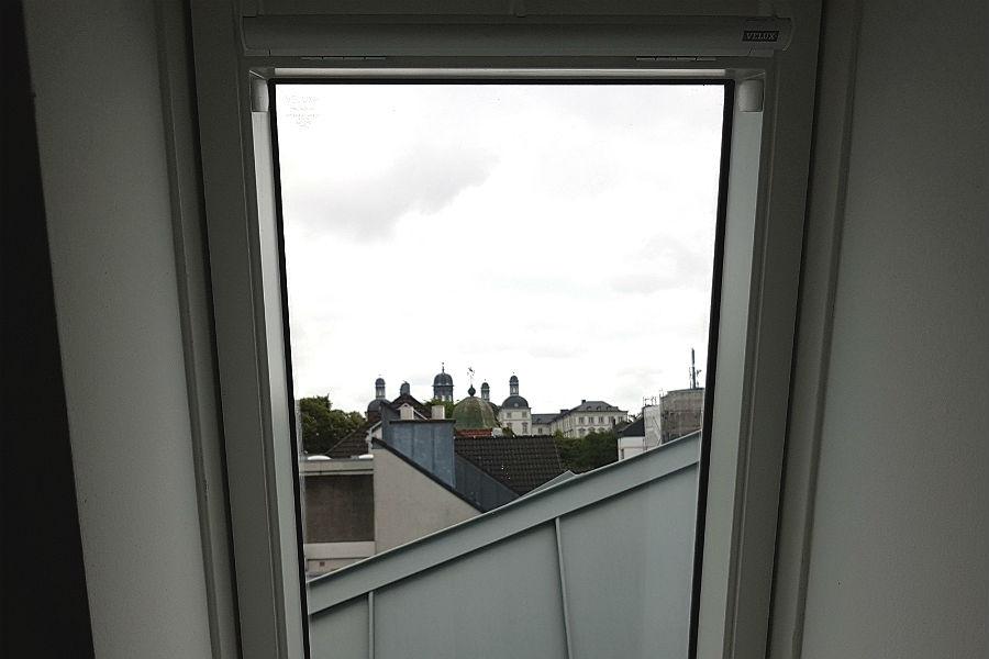 Schlossblick aus dem Dachfenster