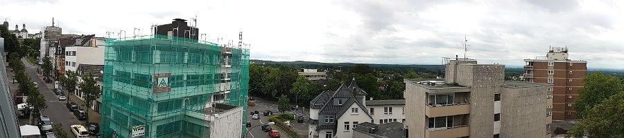Blick aus dem Neubau auf die Schlossstraße