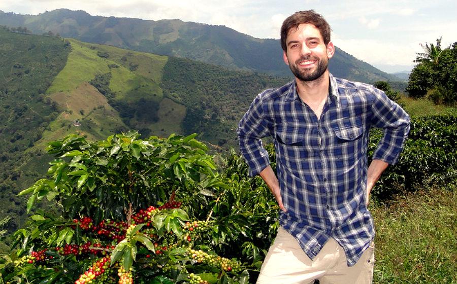 Lennart Altscher in Kolumbien. Hier kommt ein Teil seines Kaffees her, den er in der Rösterei Quimbaya in Bergisch Gladbach verarbeitet