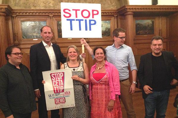 TTIP Ratssaal Meinhard Santillan Graf