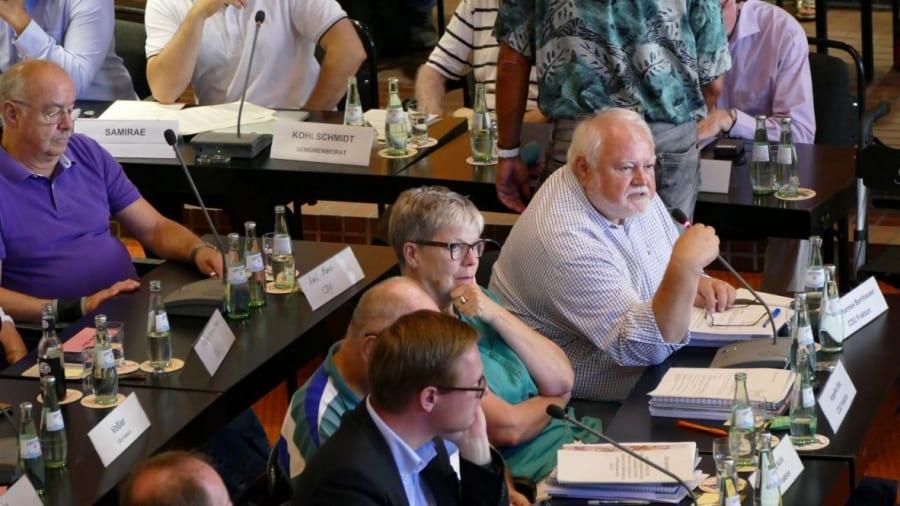 Blick in die CDU-Fraktion. Foto: Helga Niekammer