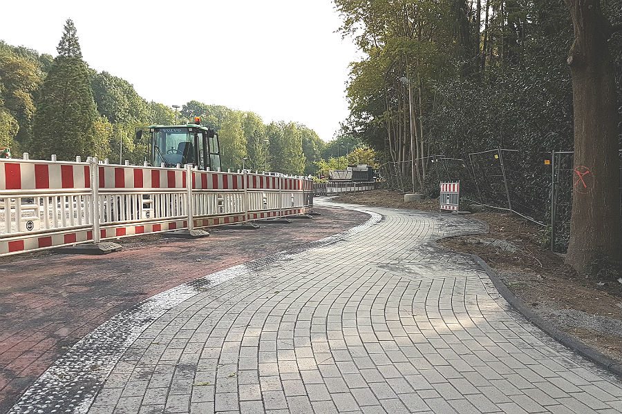 Rad- und Fußweg entlang des Zanders-Gelände sind zum Teil schon in Betrieb