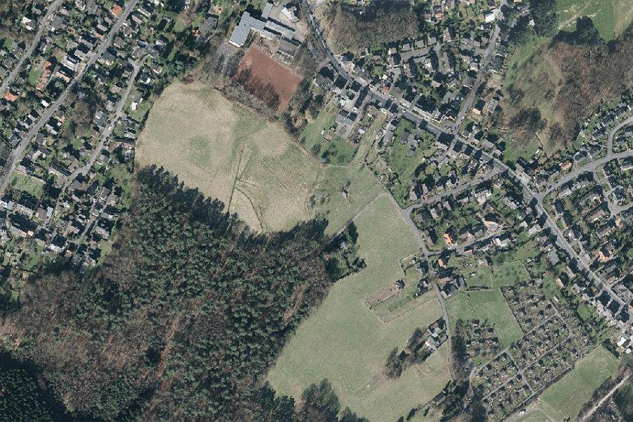 Luftbild des Landschaftsschutzgebiet in Katterbach. Hier könnte laut Vorentwurf des Flächennutzungplans ein Wohngebiet entstehen