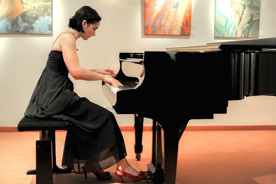 Aude St-Pierre n der Refrather Franz Liszt Akademie Foto: Foto: Rudi Broichhaus