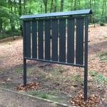 Neue Gedenktafel im Begräbniswald