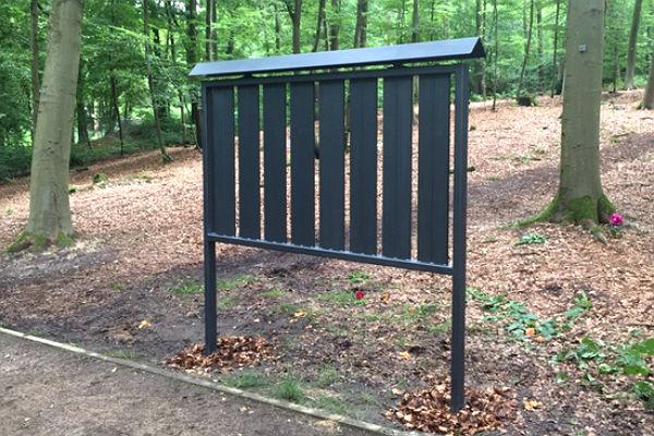 Gedenktafel im Begräbniswald Reuterstraße