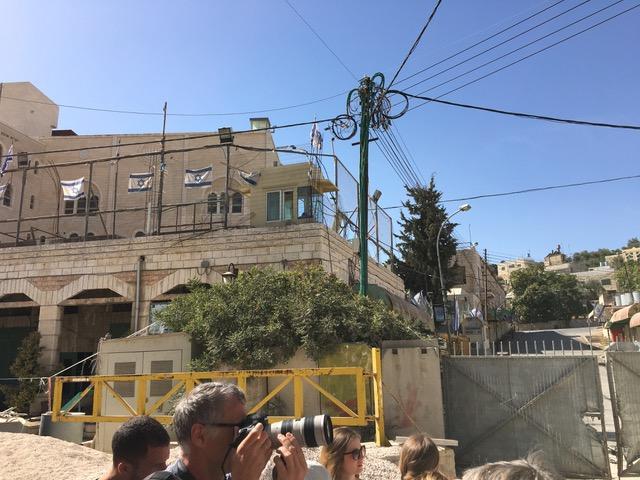 Festungsanlage zum Schutz der illegalen Siedler