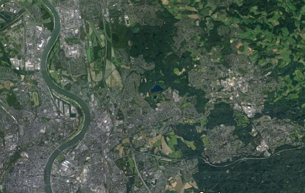 Links Köln, rechts Bergisch Gladbach. Foto: Google Earth