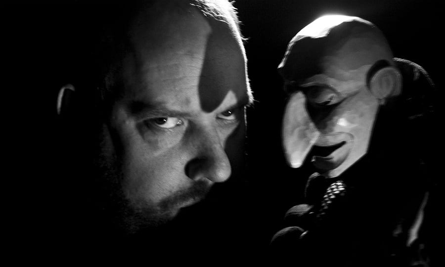 Gerd J. Pohl mit dem Hauptdarsteller, Johann Georg Faust. Foto: Ivan Toscanelli