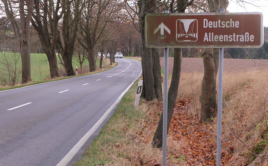 alleenstrasse-radweg-900