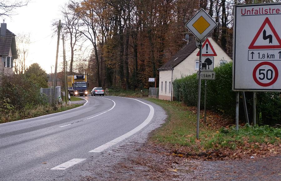 Zwischen fehlt ein Radweg