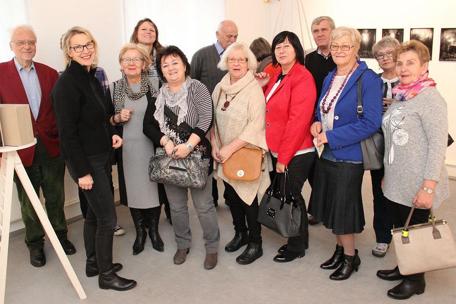 Petra Oelschlägel führt durch das Kunstmuseum Villa Zanders