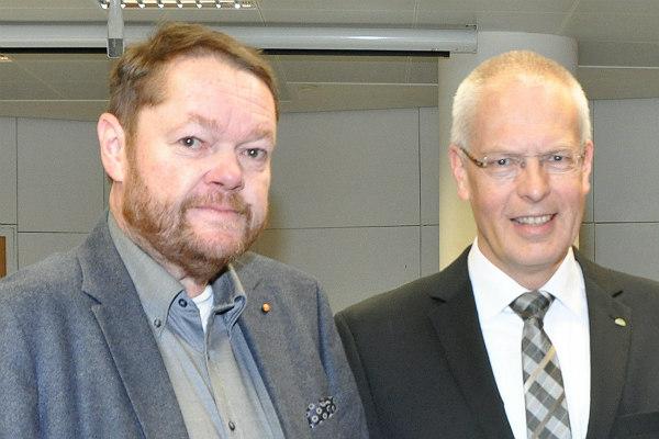 Peter Mömkes und Landrat Hermann-Josef Tebroke