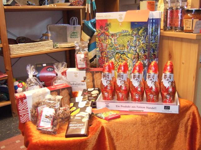 Auf dem Weihnachtsmarkt ist der AK Eine Welt mit einer breiten Produktpalette vertreten