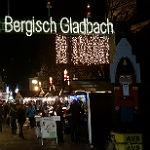 Eine Gedenkminute auf dem Weihnachtsmarkt