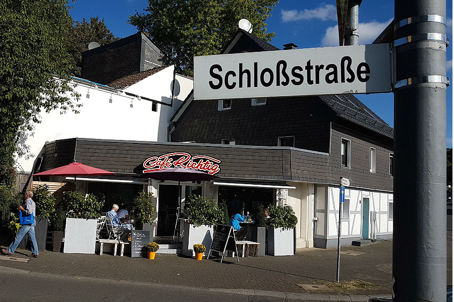 schlossstrasse-900