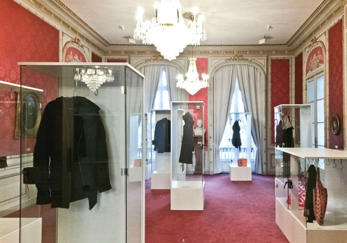 Karin Sander: Identities on Display, Villa Zanders